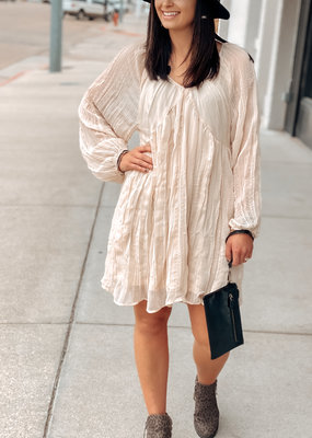 509 Broadway Crinkle Chiffon V-Neck Dress