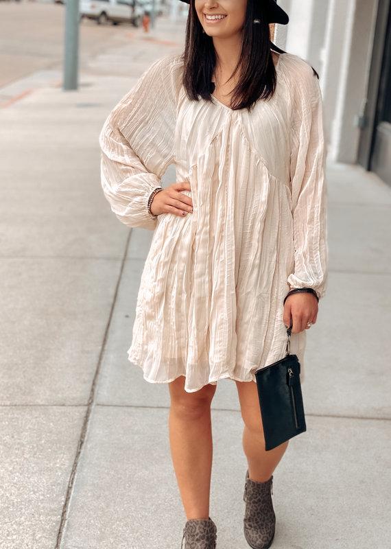 509 Broadway Crinkle Chiffon V-Neck Dress