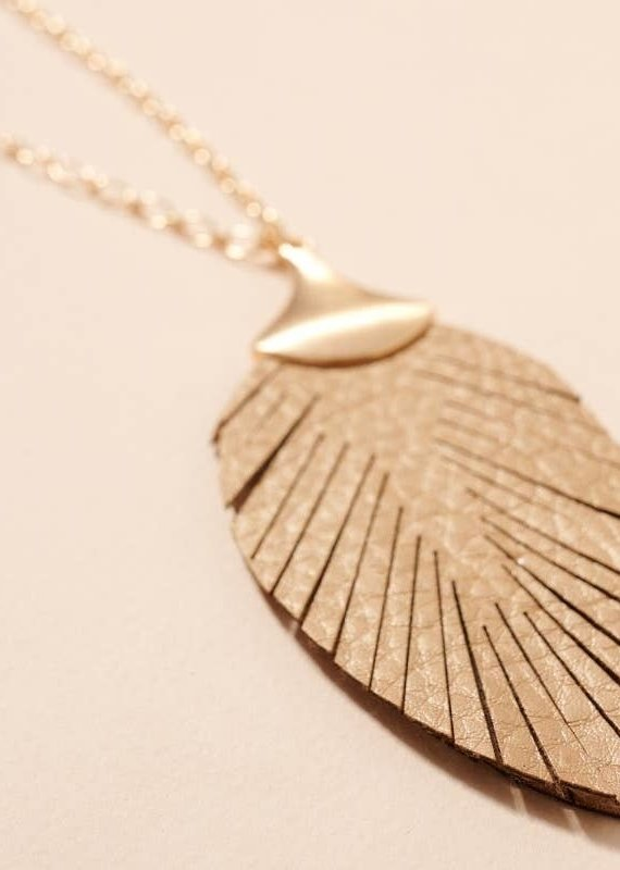 509 Broadway Leather Feather Pendant Necklace