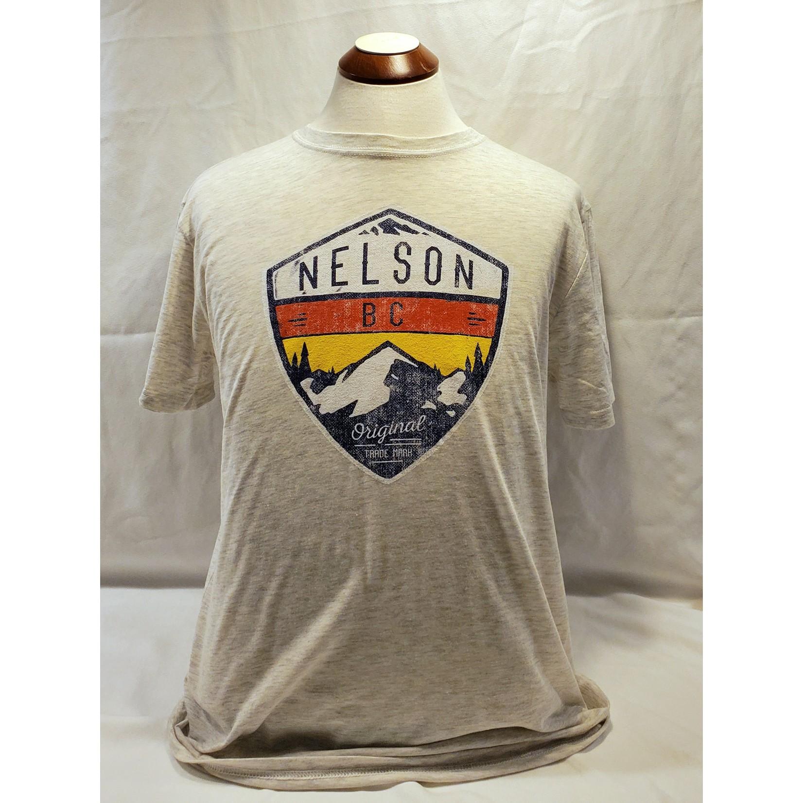 Attraction Nelson Souvenir Tee - Alpine Crest DA2