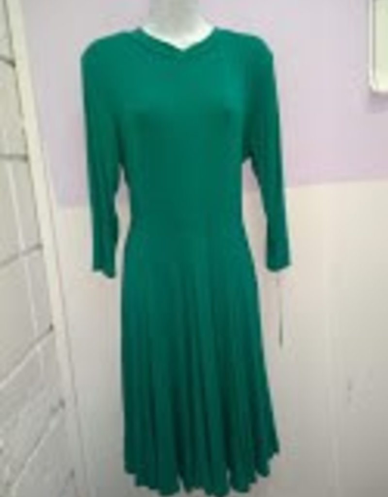 Chi Chi Green jersey dress w/panel skirt