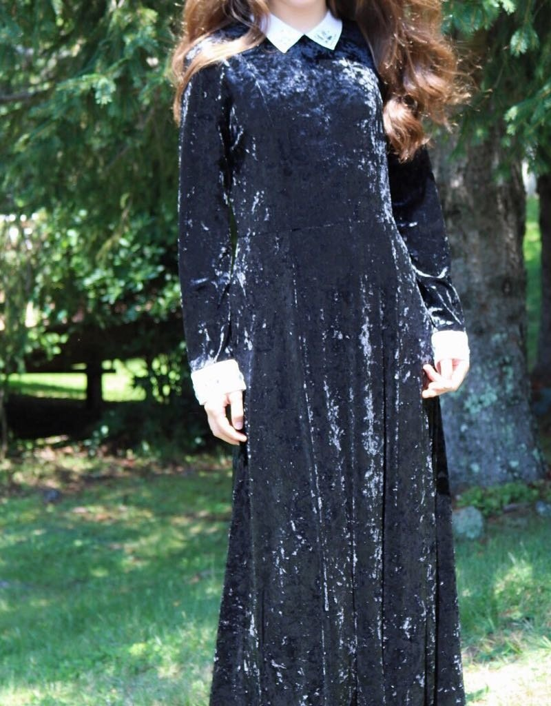 Ivee Maxi crushed velvet, accented cuff & collar dress/shabbos robe