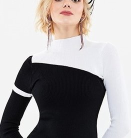 70°F/21°C High collar asym blk/white sweater