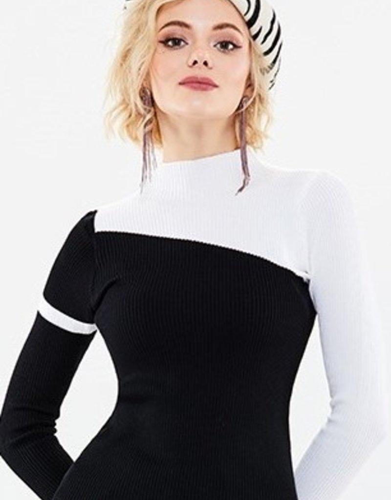 70°F/21°C High collar asym blk/white sweater