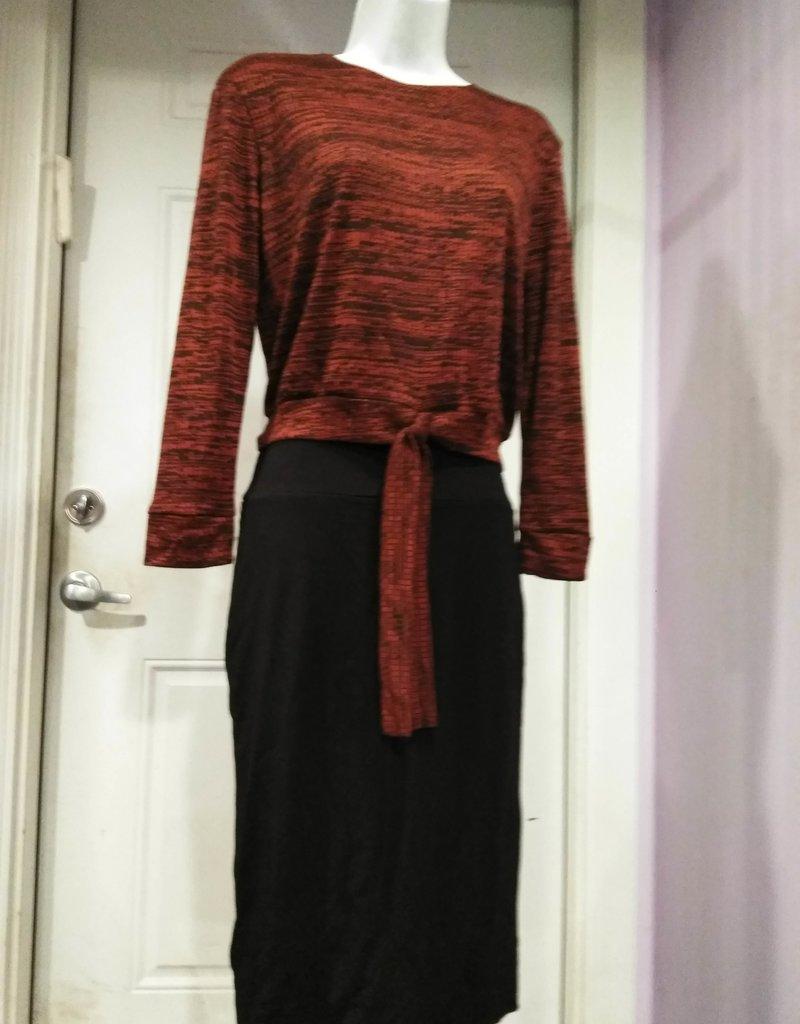 KMW Rust/black ridged knit tie top