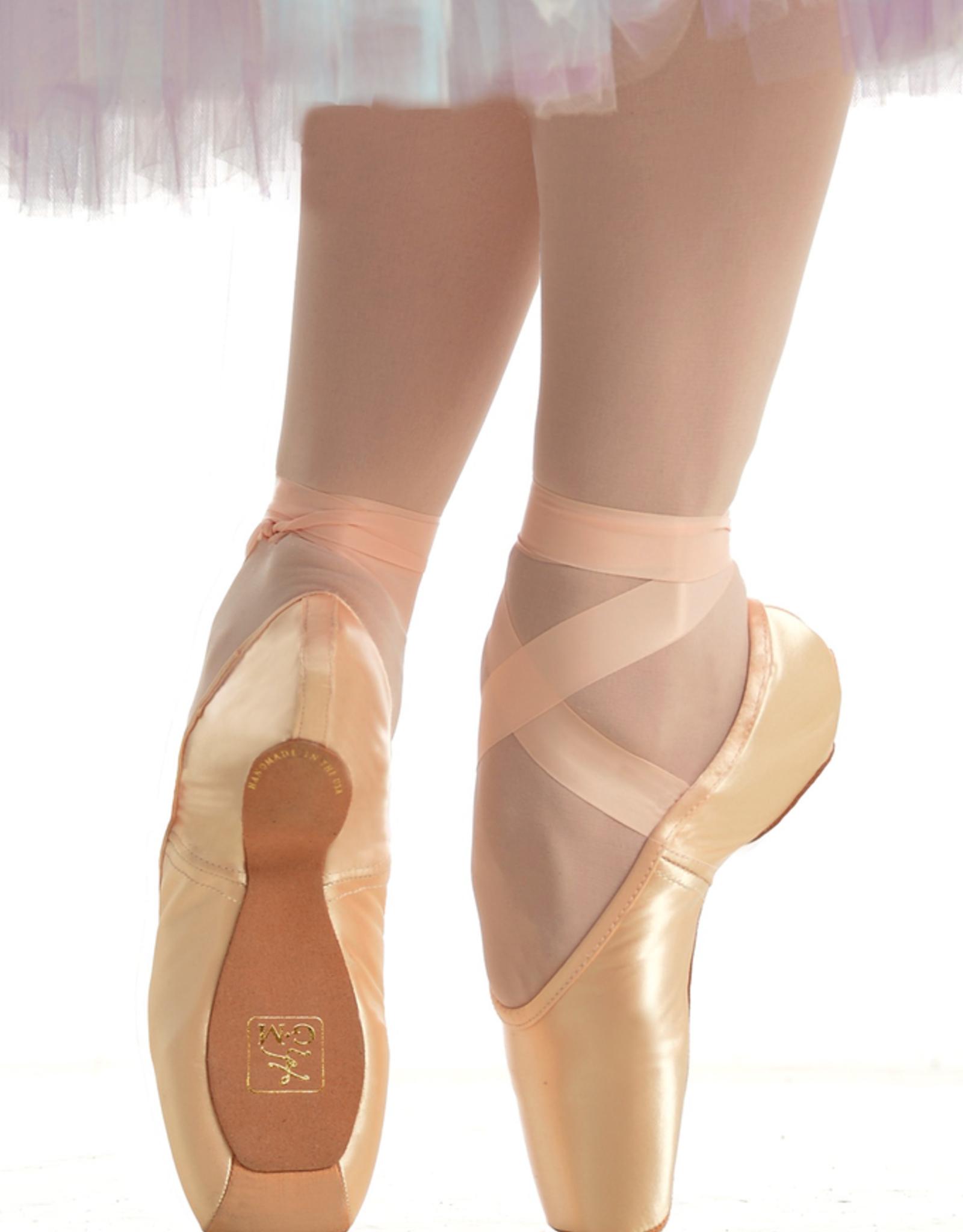 Gaynor Minden Sleek Fit Pointe Shoe/ExtraFlex