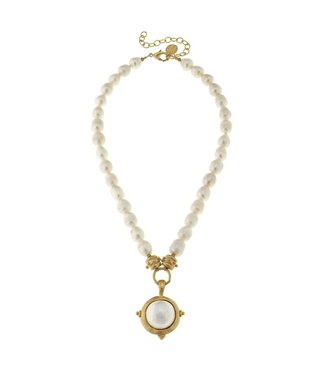 Susan Shaw Freshwater Pearl Cab Necklace