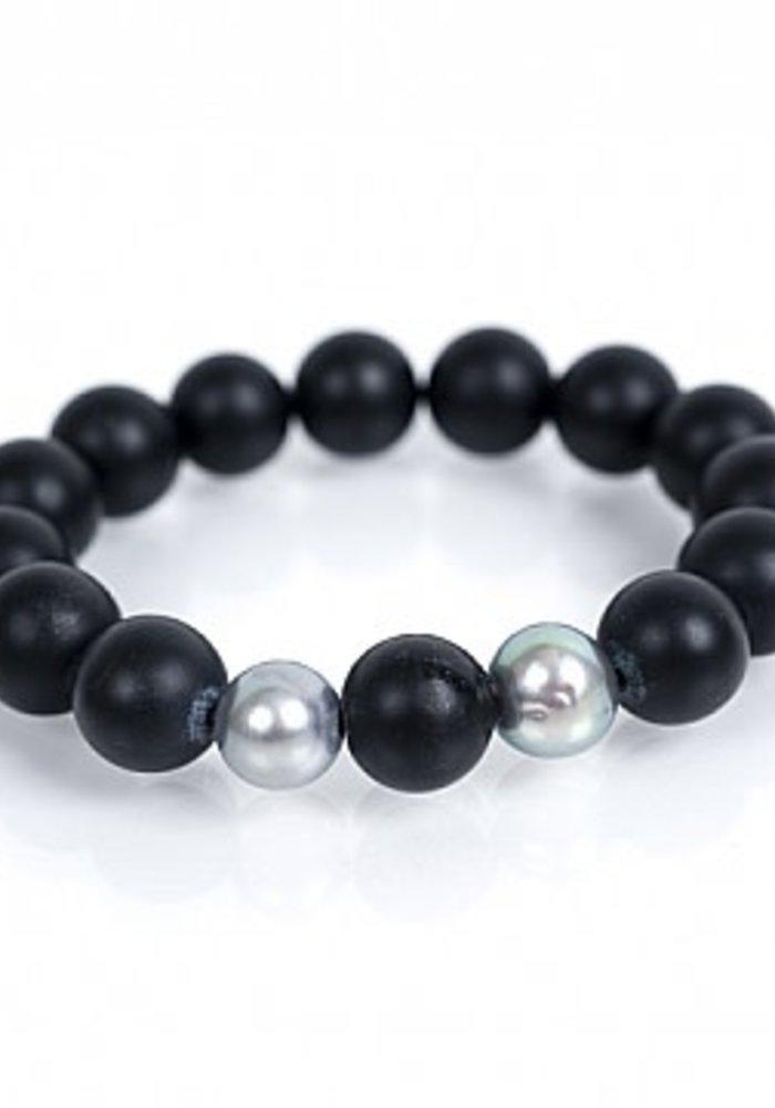 Black Onyx Stretch Bracelet with 2 Gray Pearls