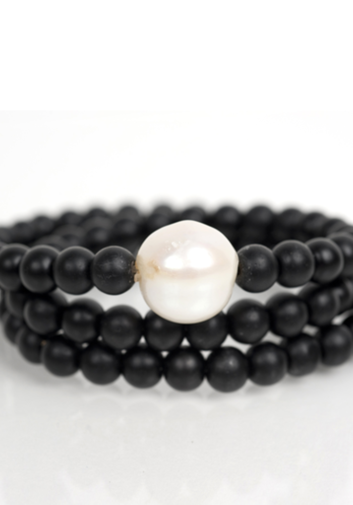 Black Onyx Wrap with Fresh Water Pearl