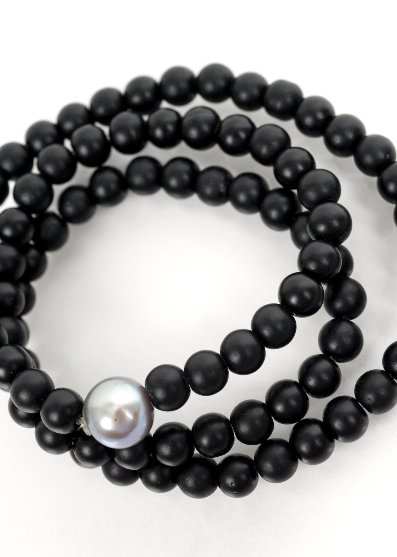 Mina Danielle Black Onyx Wrap with Small Gray Pearl
