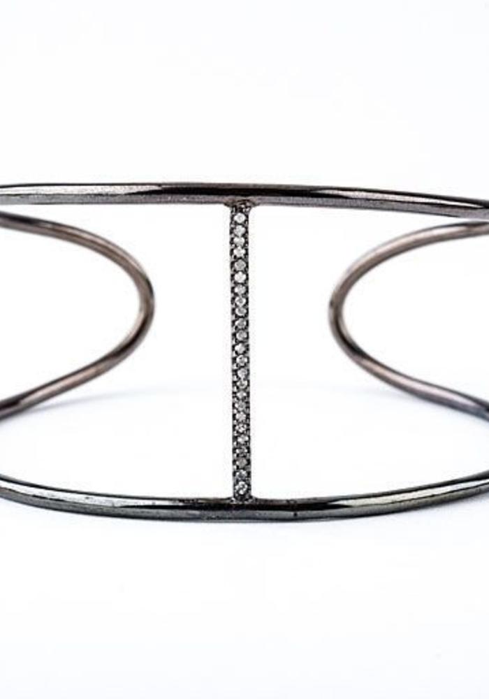 Wide Cuff with Diamond Line