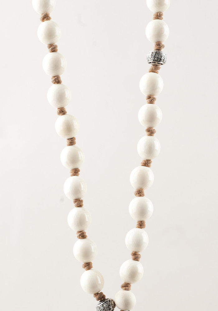 Ivory Beads with Pavé Diamond Starfish