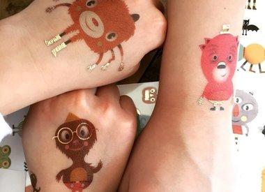 Autocollants et tattoos