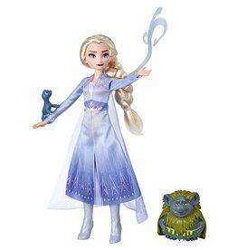 Hasbro La Reine des Neiges 2 Elsa, Grand père et salamandre
