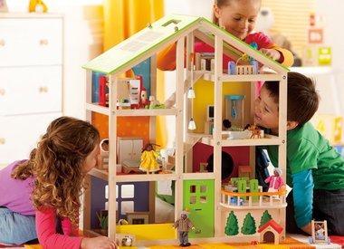 Maison et mobilier en bois