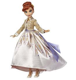 Hasbro La Reine des neiges Poupée fashion de luxe Anna
