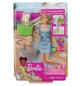 Mattel Barbie joue avec ses animaux