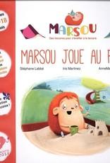 Mammouth Rose Marsou joue au parc