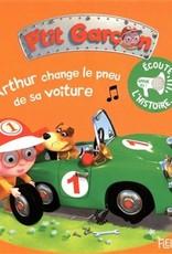 Fleurus Arthur change le pneu de sa voiture