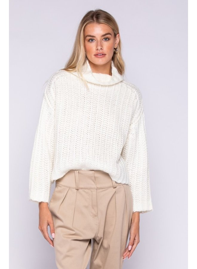 Ivory Knitted Long Sleeve Turtleneck Sweater