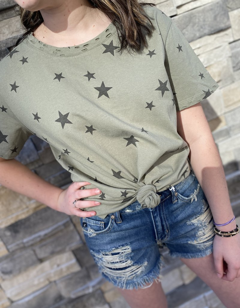 Red Door Olive star top with distressed neck