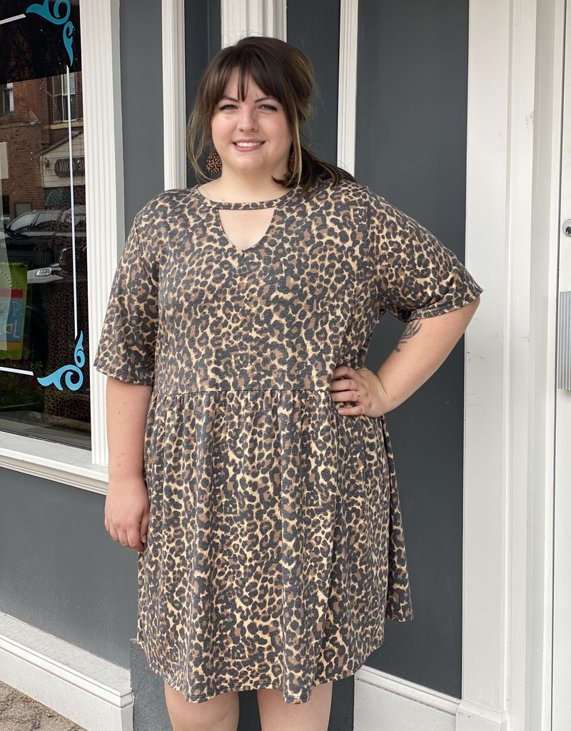 Red Door leopard dress with key hole