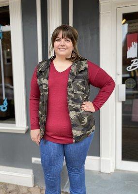 Red Door Camo zip up vest with pockets