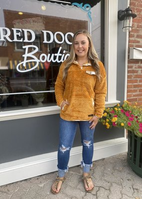 Red Door SS Gold Pullover