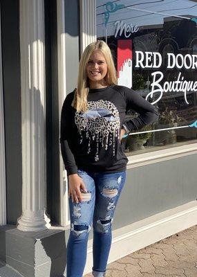 Red Door Black sweatshirt with leopard lips