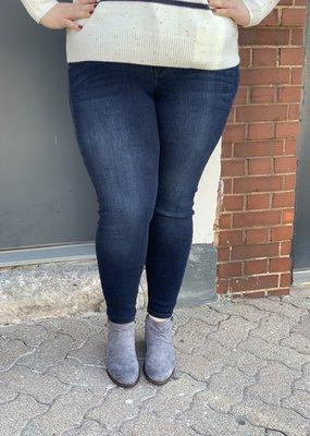 Judy Blue Rachel's dark denim skinny jeans