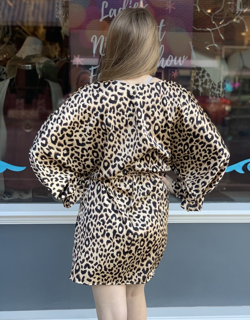 Red Door Silky leopard dress with cinched sleeves