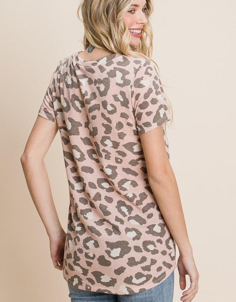 Red Door Mauve leopard v-neck top
