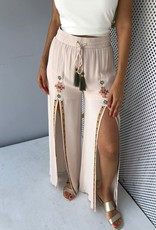 Wide Leg Embroiderey Pants Front Slit