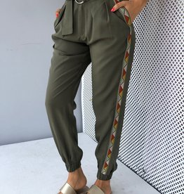 Side Embroidery Tencel Jogger Pants