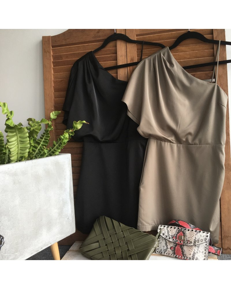 Oneshoulder  Asymmetrcial Dress