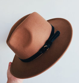 Camel w Black Belt Fedora