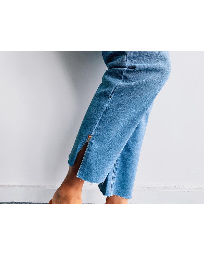 Light Wash Crop Lenght Denim Pants