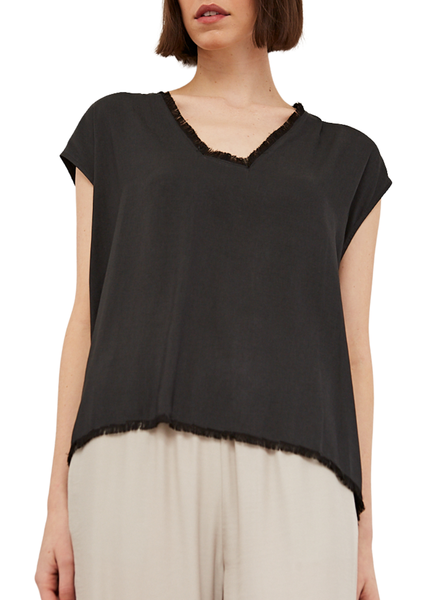 Squared Neck Shell Blouse