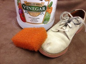 Shoe mildew cleaning