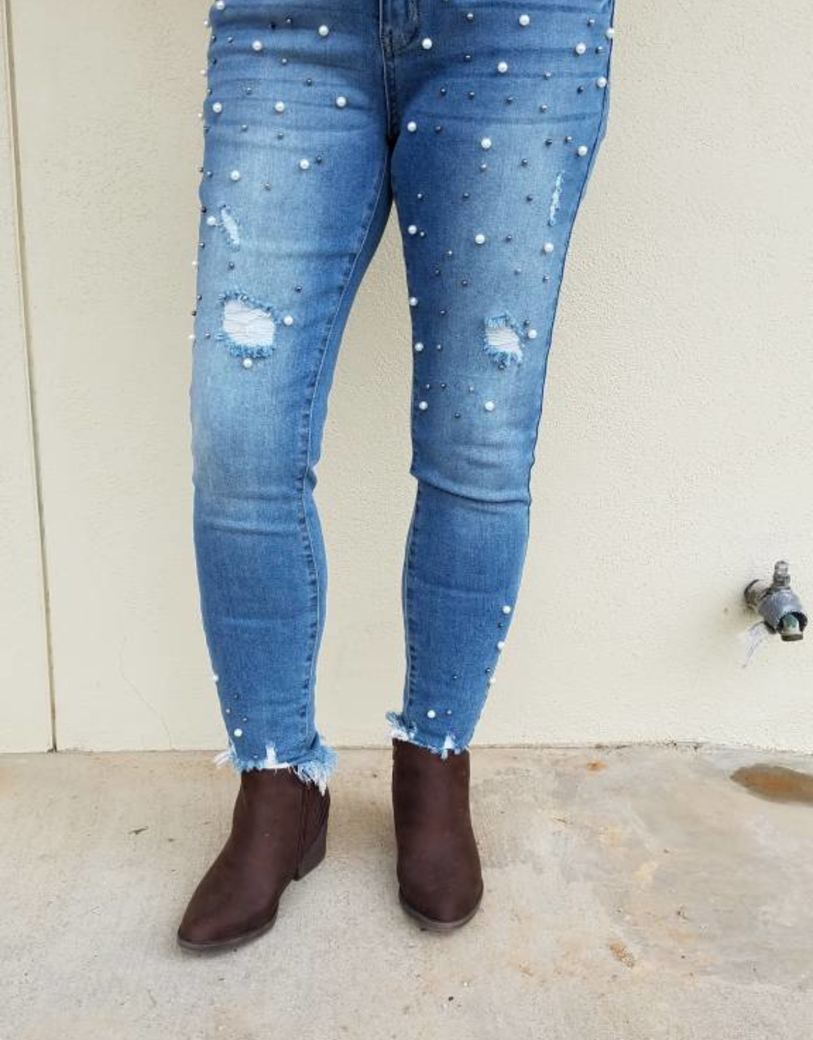 Judy Blue Judy Blue Medium Wash Pearl Frayed Jeans