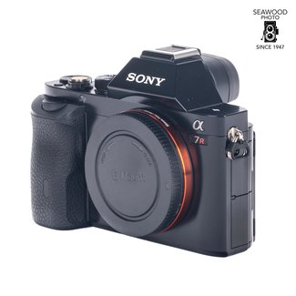 Sony Sony A7R Body 36.4 mp Excellent. -750 Shots!