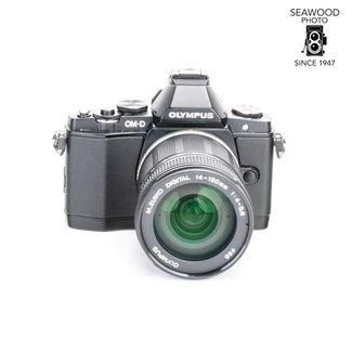 Olympus Olympus OM-D EM-5 16.1mp  w/14-150mm Excellent