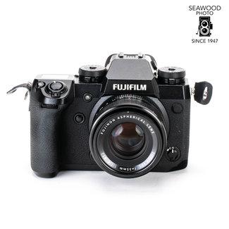 Fuji Fujifilm X-H1 24.3mp Mirrorless  Camera w/35mm f/2.4 ASPH EXCELLENT
