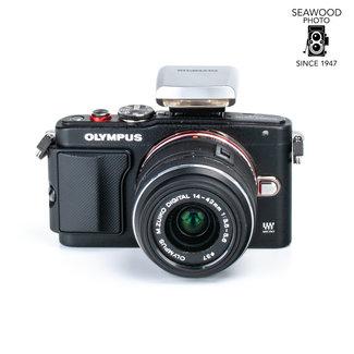 Olympus Olympus PEN Lite E-PL6 16mp w/14-42mm f/3.5-5.6, Flash EXCELLENT