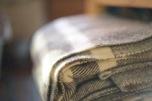 """MacAusland Wool Queen Size Blanket - Dark Grey Tweed - 78 x 104"""""""