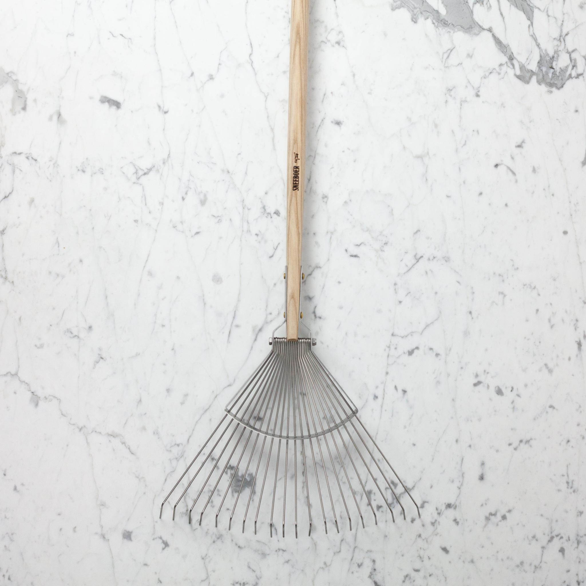 "Sneeboer Hand Forged 20 Tine Long Leaf Rake - 70"""
