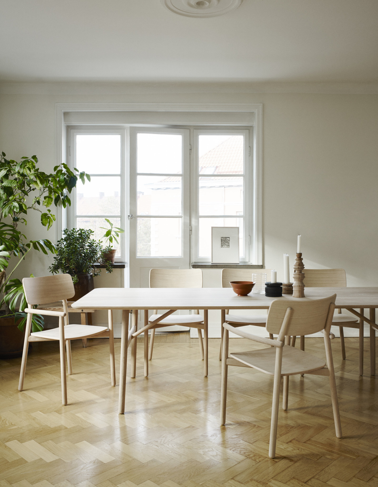 Skagerak Hven Long Dining Table - Untreated Oak