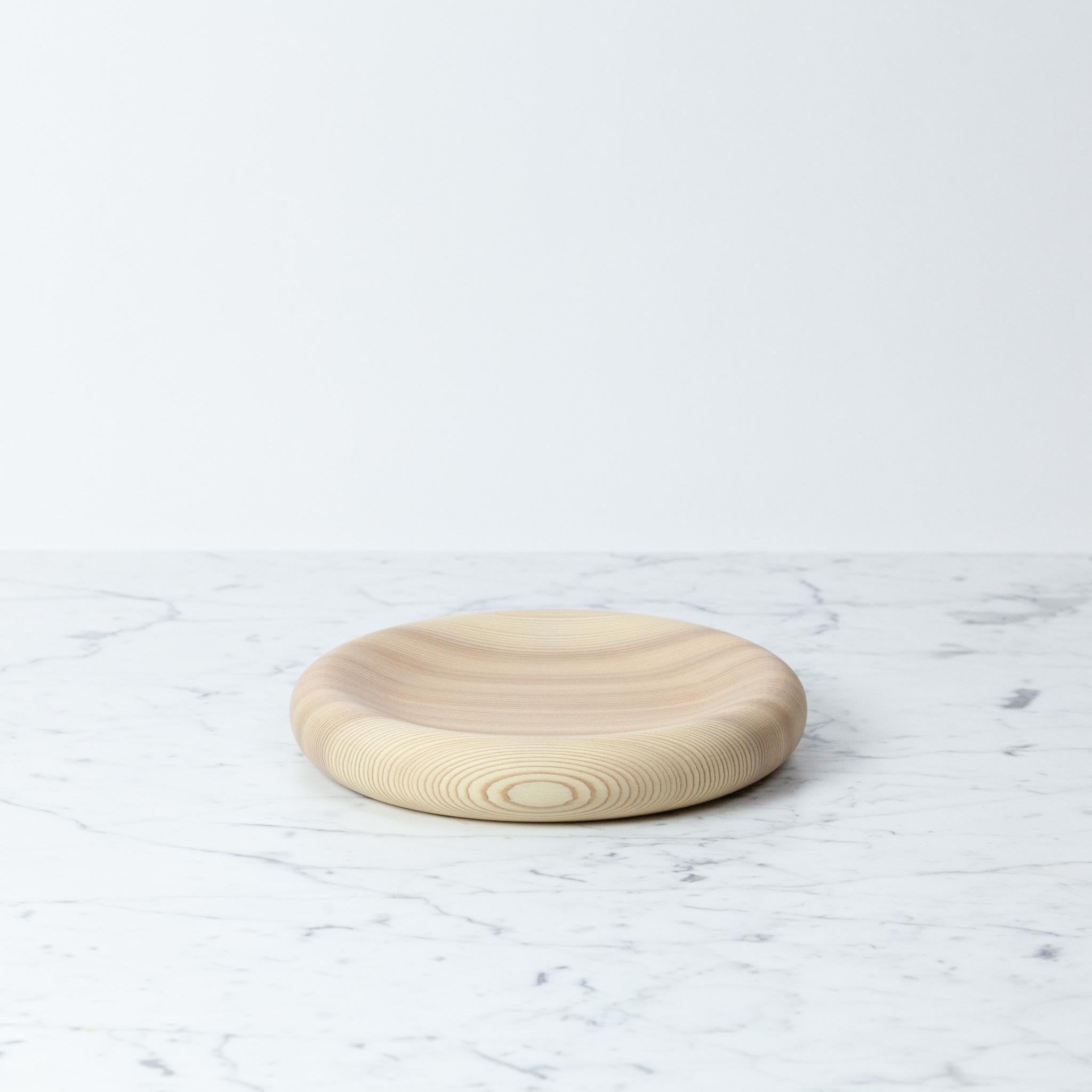 "FUQUGI Plump Cedar Loop Plate - Natural - Medium - 8"""