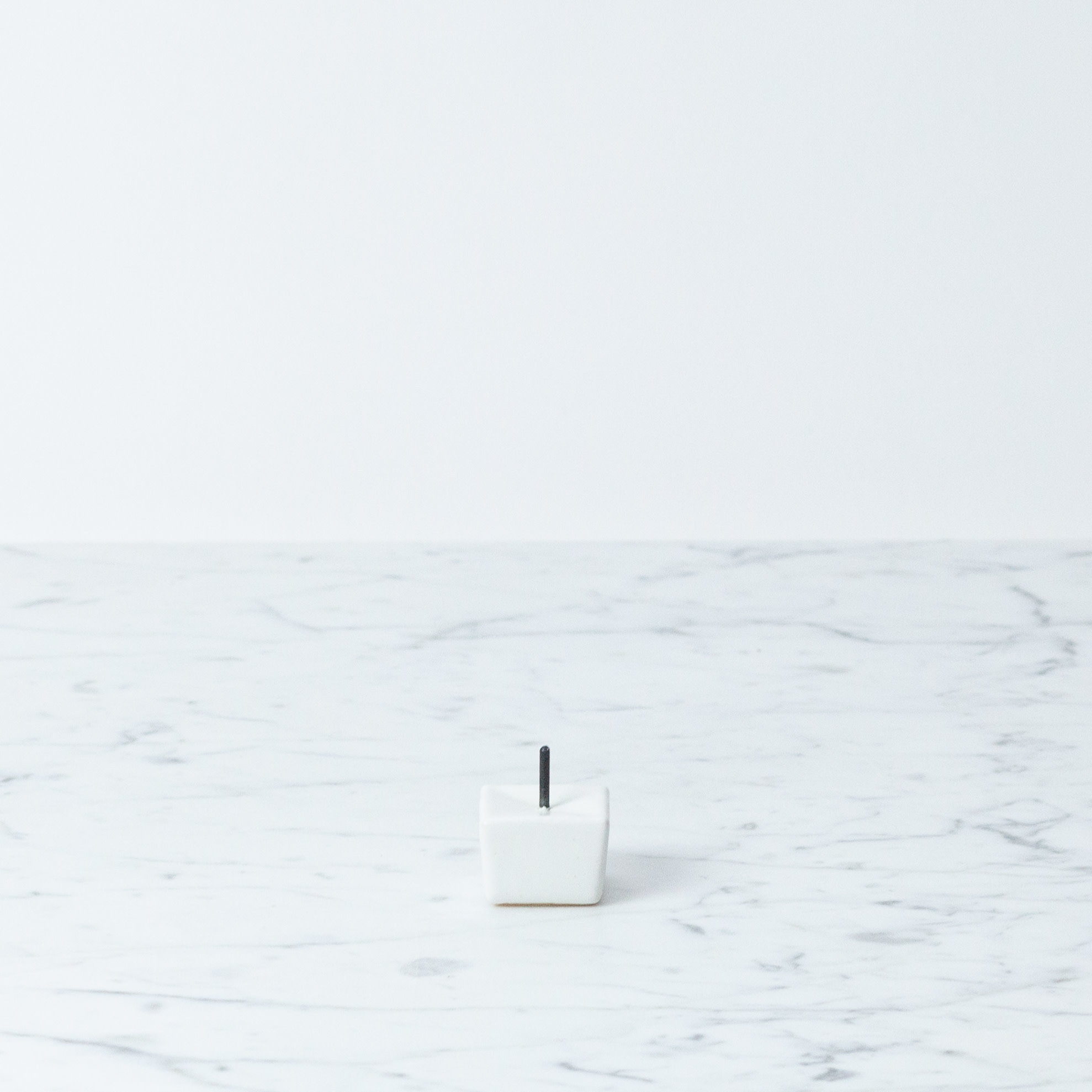 """DAIYO Rippoh Cube Candle Stand - White - 1.5"""""""