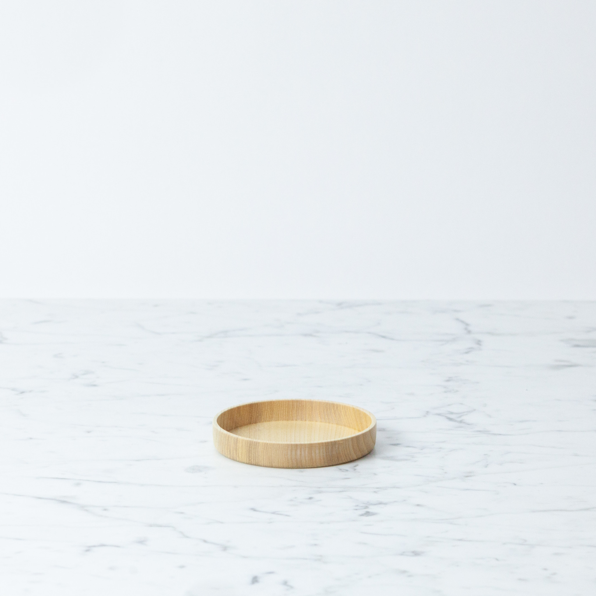 "KAMI Japanese Aralia Wood Dish - Medium - 3.6"""